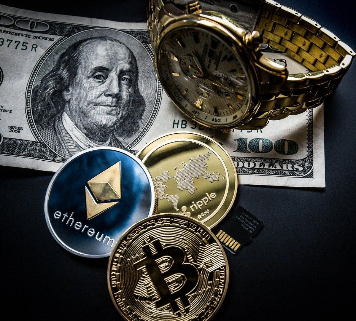 IS DOWNSIDE RISK PRICED IN CRYPTOCURRENCY MARKET?